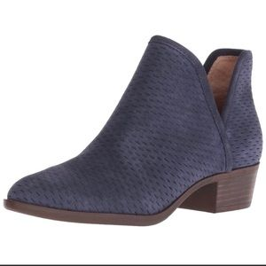 Lucky Brand Baley Blue Suede Pull On Bootie sz 7.5